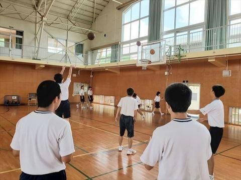 体育_R.jpg