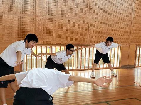 高校生体操1_R.jpg