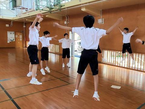 高校生体操2_R.jpg