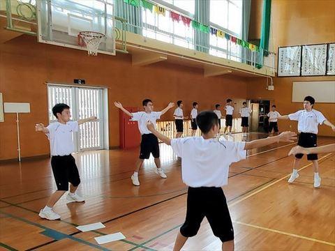 高校生体操3_R.jpg